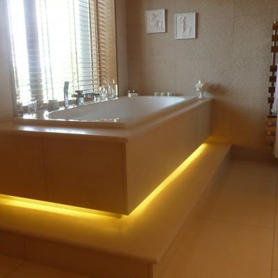 LED lighting in bathroom